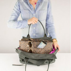 model_2_purse_c0113784-9d17-48a9-b2fb-eb09d345a732_1024x1024