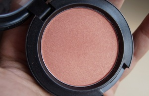 mac-peachtwist-blush-review